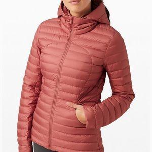 Lululemon lightweight packet it down puffer jacket